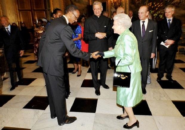President Kagame Greets Queen Elizabeth II