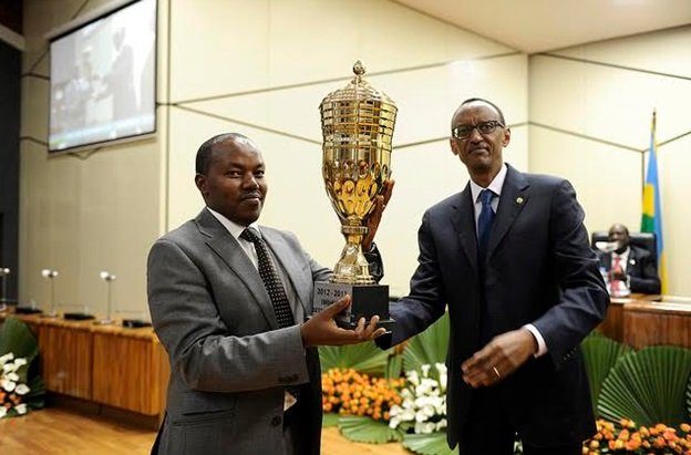 Former Gisagara district mayor receives a trophy of excellence