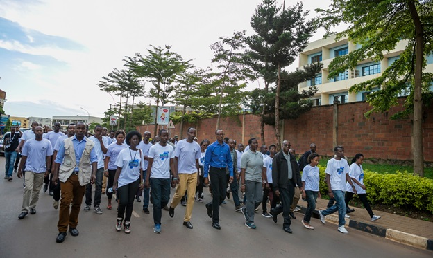 President Paul Kagame joins Rwandans in a walk to remember on 9-April