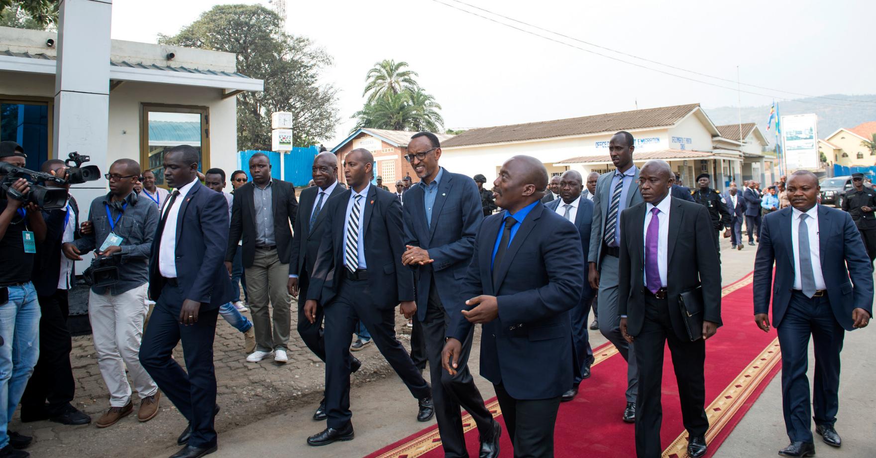 President Paul Kagame and President Joseph Kabila chat in Rubavu city