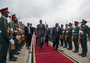 president-paul-kagame-inspects-a-parade-of-honor-in-mozambique