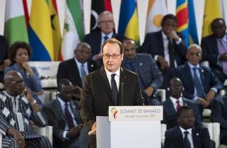 President Hollande Struggles to Fix Mistrust From Africa