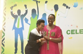 First Lady Awards Young Rwandan Achievers