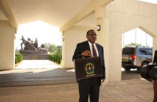 Rwanda Sells Major Bank to Finance Bugesera Airport