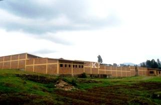 Nyabihu Market Turned into Refugee Transit Center