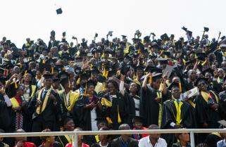 Kagame Welcomes Fresh Graduates to Tough Job Market