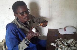 ICT Graduate Can Repair Old Bulbs