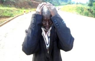 Nyamasheke Elder Cries Protesting Mayor's Arrest