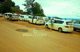 Rwandan Traders Stranded at DRC Border as Gunfire Rocks Across