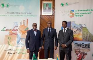"""Kagame """"Ashamed"""" Africa Still Struggles to Get Electricity"""
