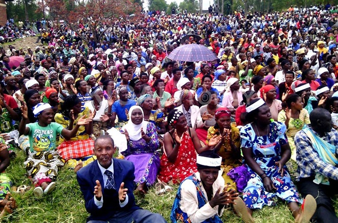 Residents of Musanze district in Northern Rwanda during the consultative meeting with legislators.