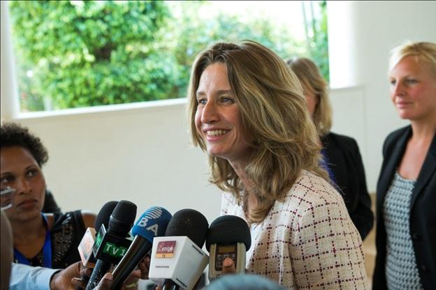 Sharon Sesthuizen head of Dutch delegation speaking to journalists.