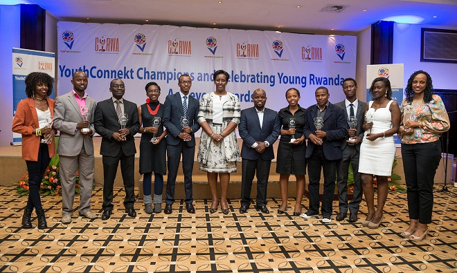 First Lady Mrs Jeannette Kagame, Minister Jean Philbert Nsengimana with the 2015 YouthConnekt Champions and Young Rwandan Achievers awardees, on December 11, in Kigali.