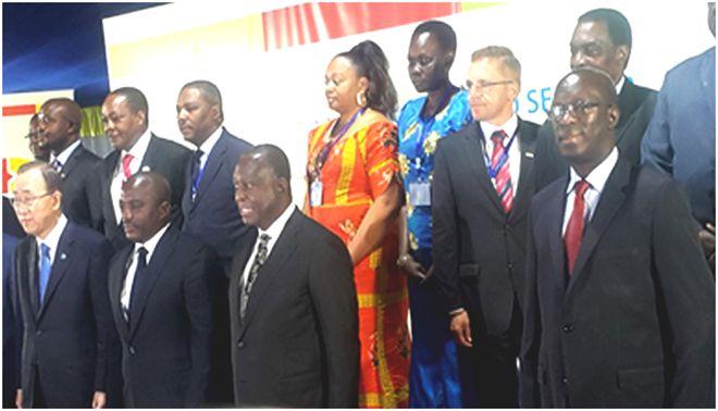 Rwanda's Premier Anastase Murekezi (extreme right)