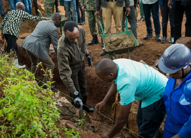 President Kagame working on the road drainage in Kayonza district during Community Service-Umuganda