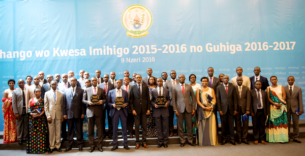 Mayors of all thirty districts pause for a group photo with President Paul Kagame