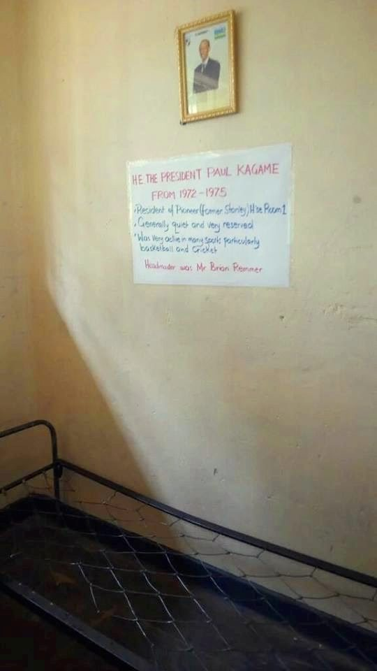 President Kagame's bed, a note and Photo on the wall
