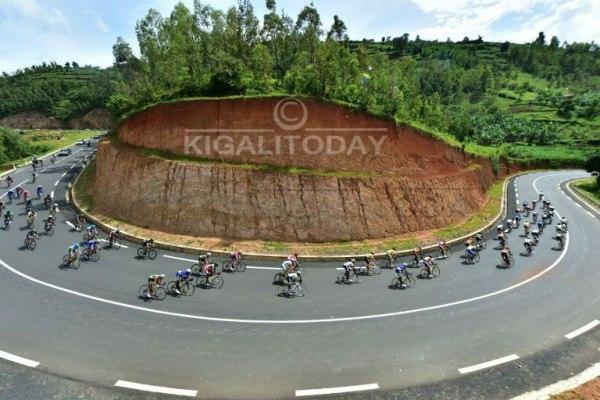 Cyclists endured 115.9 Km Karongi- Rusizi for Stage 3 of Tour du Rwanda