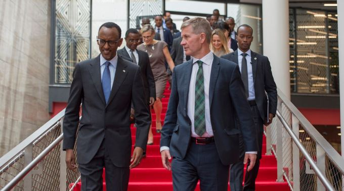 President Kagame with UNEP chief Erik Solheim at the Montreal Protocol climate conference that saw the adoption of historic Kigali Amendment in mid October 2016.