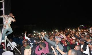 'I Wish I Was from Rwanda', says Davido then Performs In Kinyarwanda