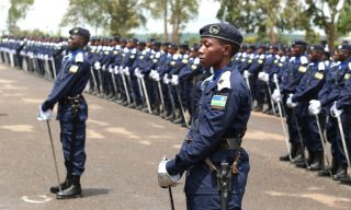Kagame Promotes 2,282 Police Officers