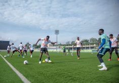 Football Teams Return to Collective Training for First Time In Four Months