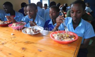 School Feeding: What Does Your Child Eat At School?