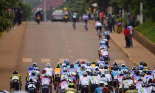 Tour du Rwanda: Spectators Follow Riders Through Kigali – Rwamagana Landscape