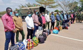 Rwanda Hands Over Combatants to Burundi