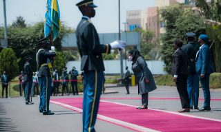 Pictorial: President Paul Kagame Welcomes President Samia Hassan Suluhu at Village Urugwiro