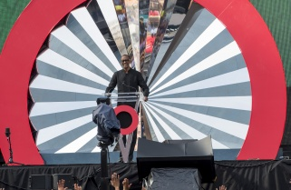 Kagame Pays Tribute to Nelson Mandela