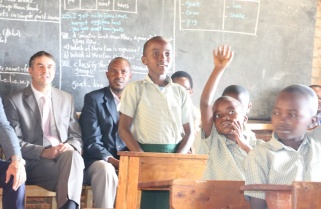 800 Primary Teachers to Be Trained in English Literacy