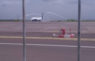 Kinshasa Welcomes Rwandair with Water Salute