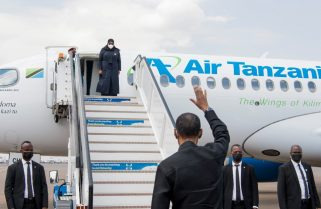 KWAHERI: President Samia Suluhu Hassan Seen Off By President Kagame