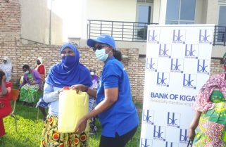 Bank of Kigali Reaches Out to Women affected by COVID-19