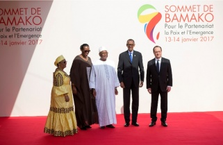 Kagame, France's Hollande in Second Encounter