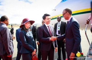 Kagame Discusses Trade, Investment with Madagascar's Rajoelina