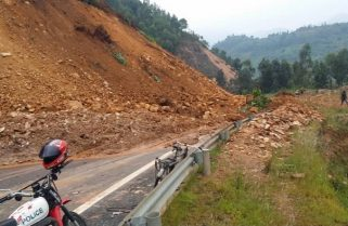 Landslide Makes Kivu Belt Road Inaccessible
