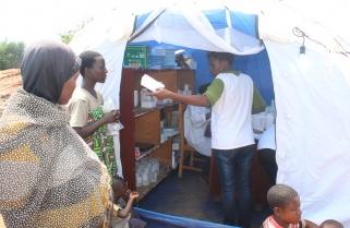 Burundian, Congolese Refugees Receive Health Insurance Coverage in Rwanda