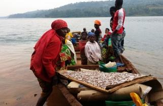 Nkombo Islanders Receive Ebola Vaccine
