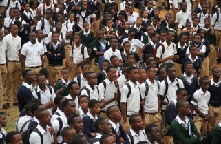 Mineduc Wakes Up While Schools Are Busy 'Stealing' from Students