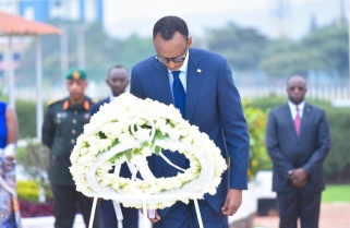President Kagame Lays a Wreath At Heroes Square