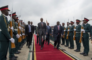 Kagame in Mozambique for State Visit