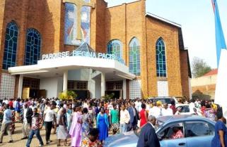 Rwandans 'Welcome Jesus' With Prayers