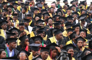 Prime Minister Challenges Fresh Graduates to 'Think Bigger'