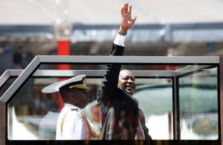 Kagame Attends Kenyatta's Inauguration
