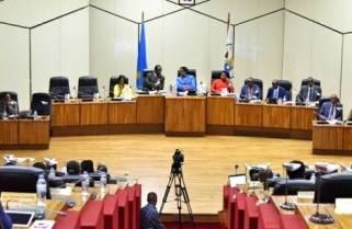 Parliament Paints Gloomy Outlook for State Finances
