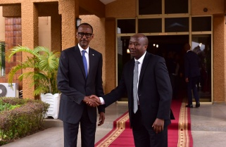 In Departure From Politics, Kagame Names Technocrat as Prime Minister